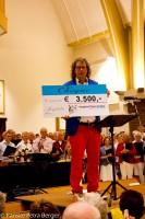 Peter Overduin met cheque